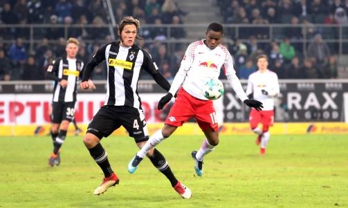 © imago / Ademola Lookman bei seinem Bundesliga-Debüt für RB Leipzig gegen Borussia Mönchengladbach