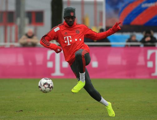 Davies trainiert bereits mit den Bayern-Profis