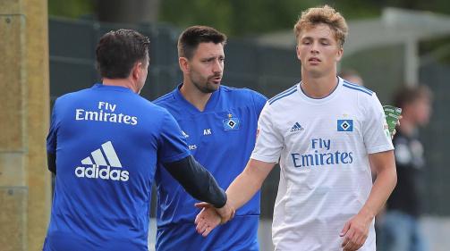 © imago / Eingespieltes Duo: HSV-Stürmer Fiete Arp (r.) schaffte unter Trainer Christian Titz (l.) bei den B-Junioren 37 Treffer in 45 Partien