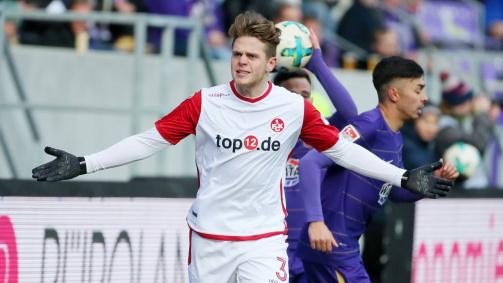 Joel Abu Hanna beim Auswärtsspiel (2:1) in Aue am 24. Spieltag 2017/18