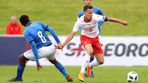 Vonmoos im Einsatz für die Schweiz gegen Italien bei der Vorrunde der U17-EM