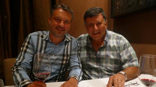 Transfermarkt-Gründer Matthias Seidel mit Claudio Pizarro senior