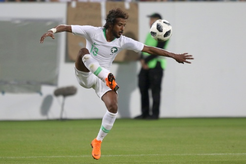 Yasir Al-Sharani nimmt den Ball an