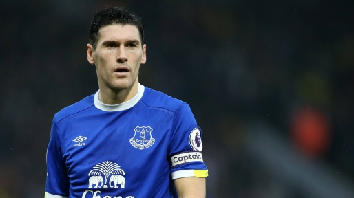The 39-year old son of father (?) and mother(?) Gareth Barry in 2021 photo. Gareth Barry earned a  million dollar salary - leaving the net worth at  million in 2021