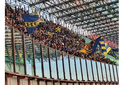 San Siro: Die Fans von Hellas Verona beim Auswärtsspiel gegen Milan