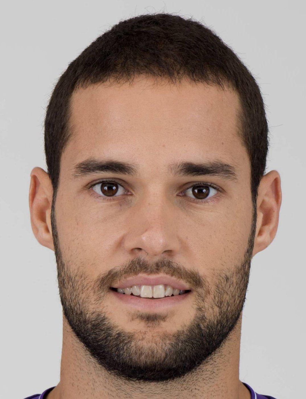 ¿Cuánto mide Mario Suárez? 37337-1448527270