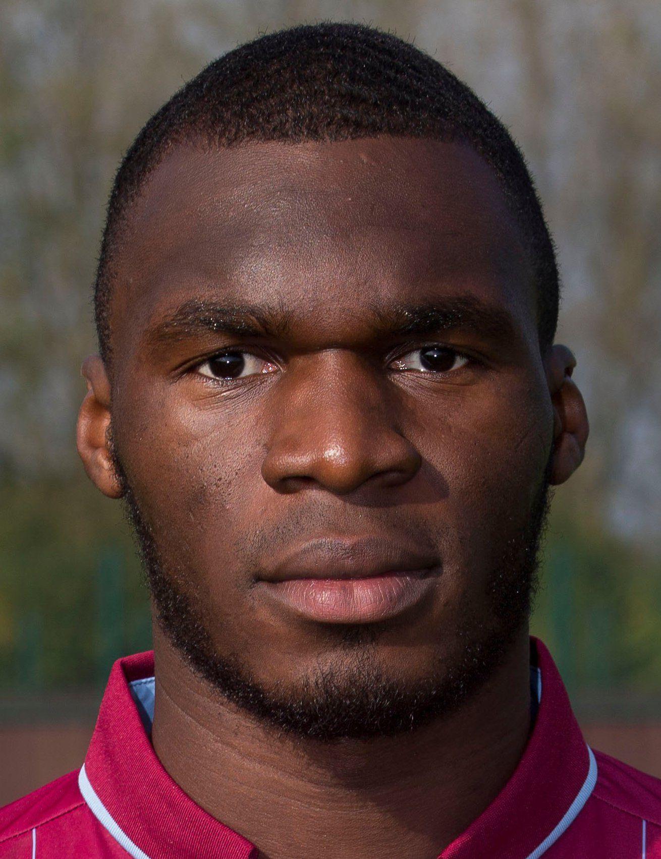 Christian Benteke Player Profile 17 18