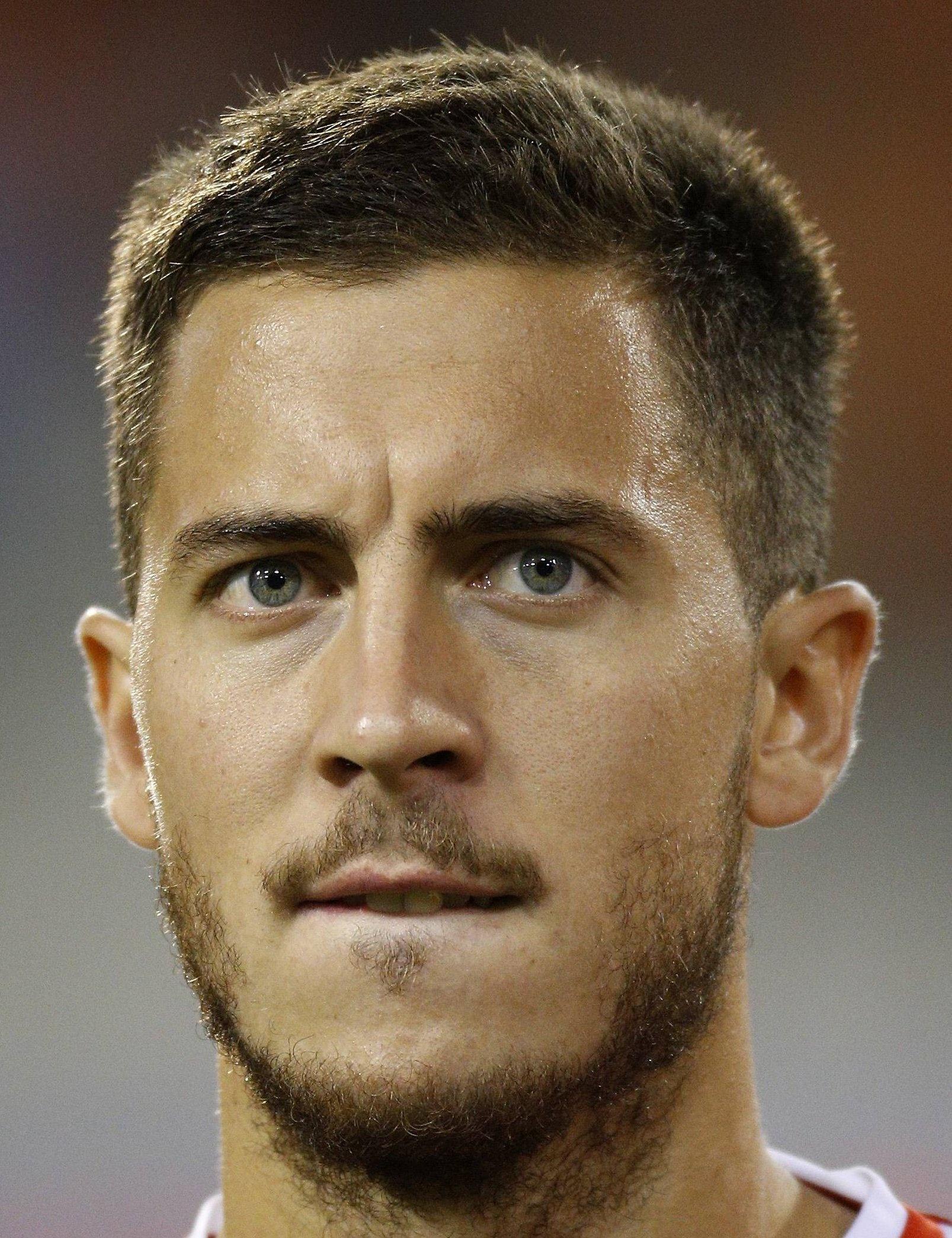 Eden Hazard Player Profile 17 18