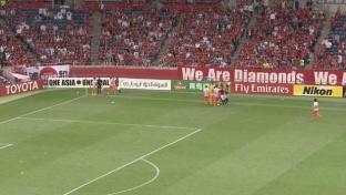 AFC CL: Übler Ellenbogenschlag und Jagdszenen
