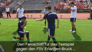 Freestyle-Kicker zaubern mit Bayern-Stars