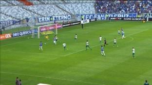 Brasileiro: Ex-HSV-Spieler trifft sehenswert