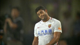 CSL: Brutales Foul an Shanghai-Star Hulk