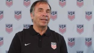 "USA: Arena: ""Applaudiere Klinsmanns Arbeit"""