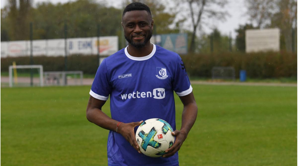 Ex Bundesliga Profi Sanogo Unterschreibt Bei Der Vsg