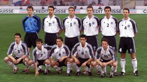 Wosz bei der DFB-Auswahl im April 2000 gegen die Schweiz (1:1)
