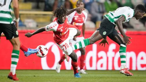 Roger Fernandes avancierte mit 15 Jahren und 252 Tagen zum jüngsten Spieler im portugiesischen Supercup