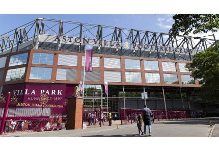 Der Villa Park von Aston Villa in Birmingham