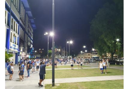 Vor dem Estadio Jose Amalfitani, Velez Sarsfield