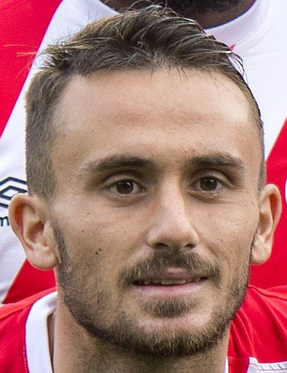 The 23-year old son of father (?) and mother(?) Aleix García in 2021 photo. Aleix García earned a  million dollar salary - leaving the net worth at  million in 2021