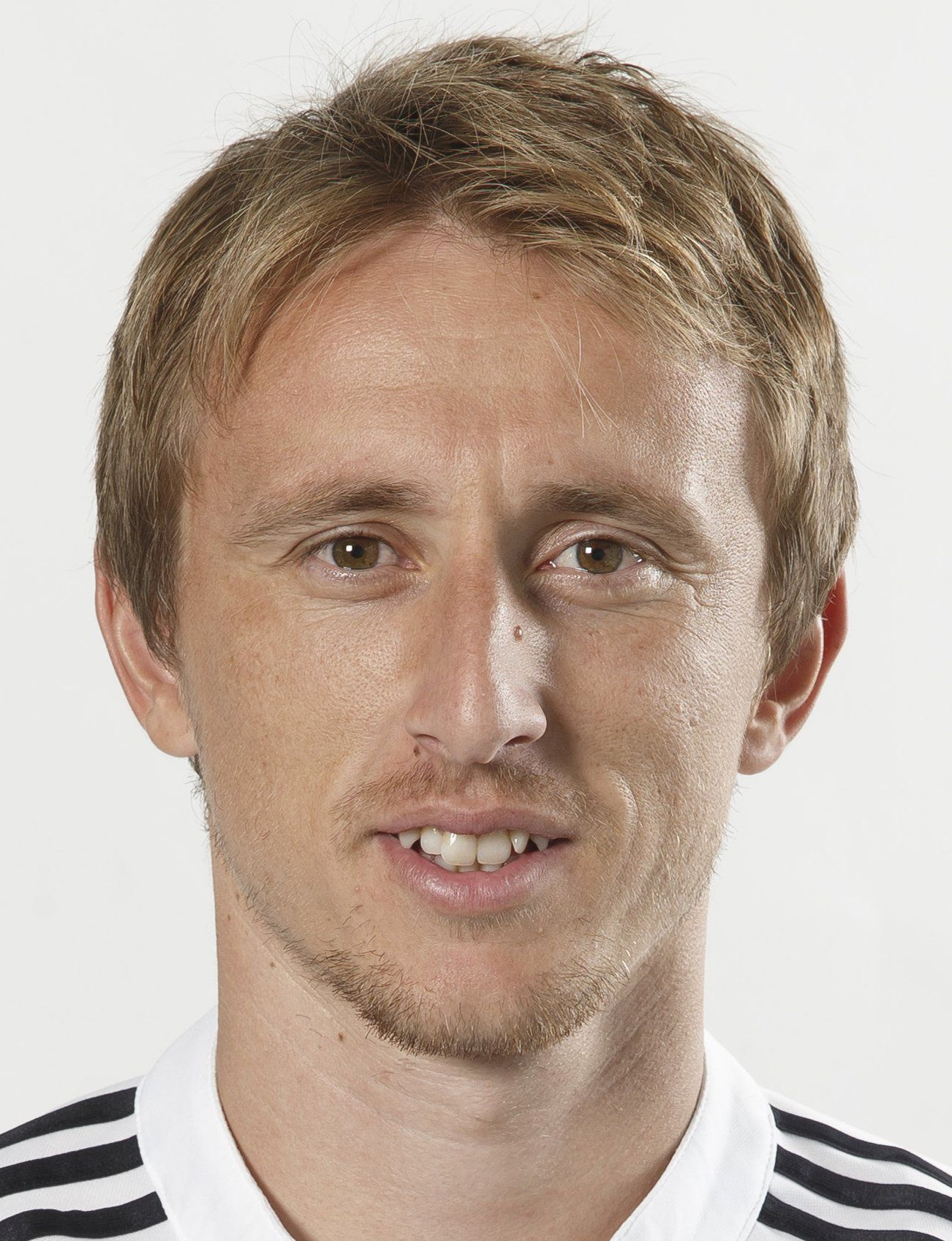 luka modric nouvelles transfermarkt. Black Bedroom Furniture Sets. Home Design Ideas