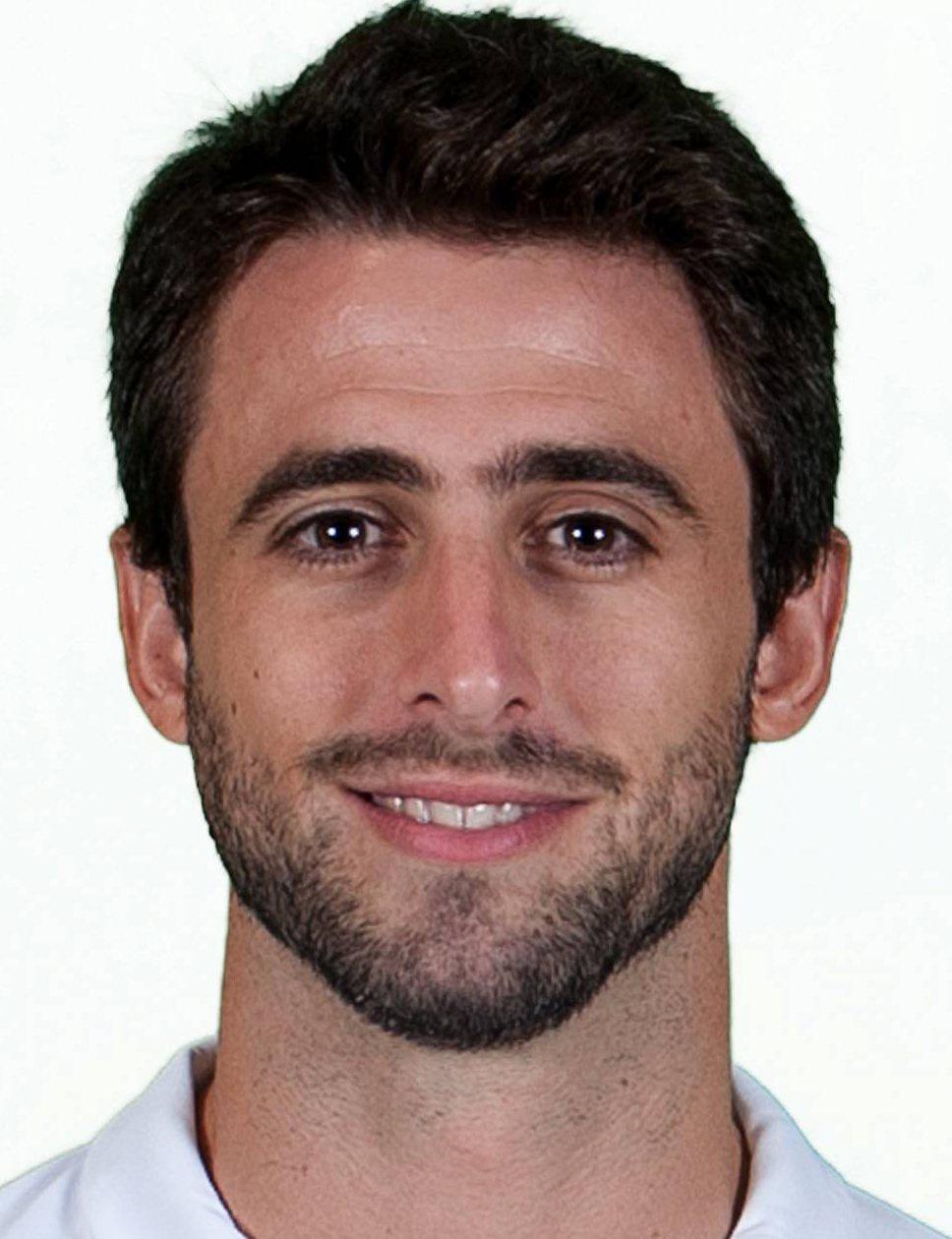 Nicol s pareja player profile 18 19 transfermarkt for Roque mesa transfermarkt